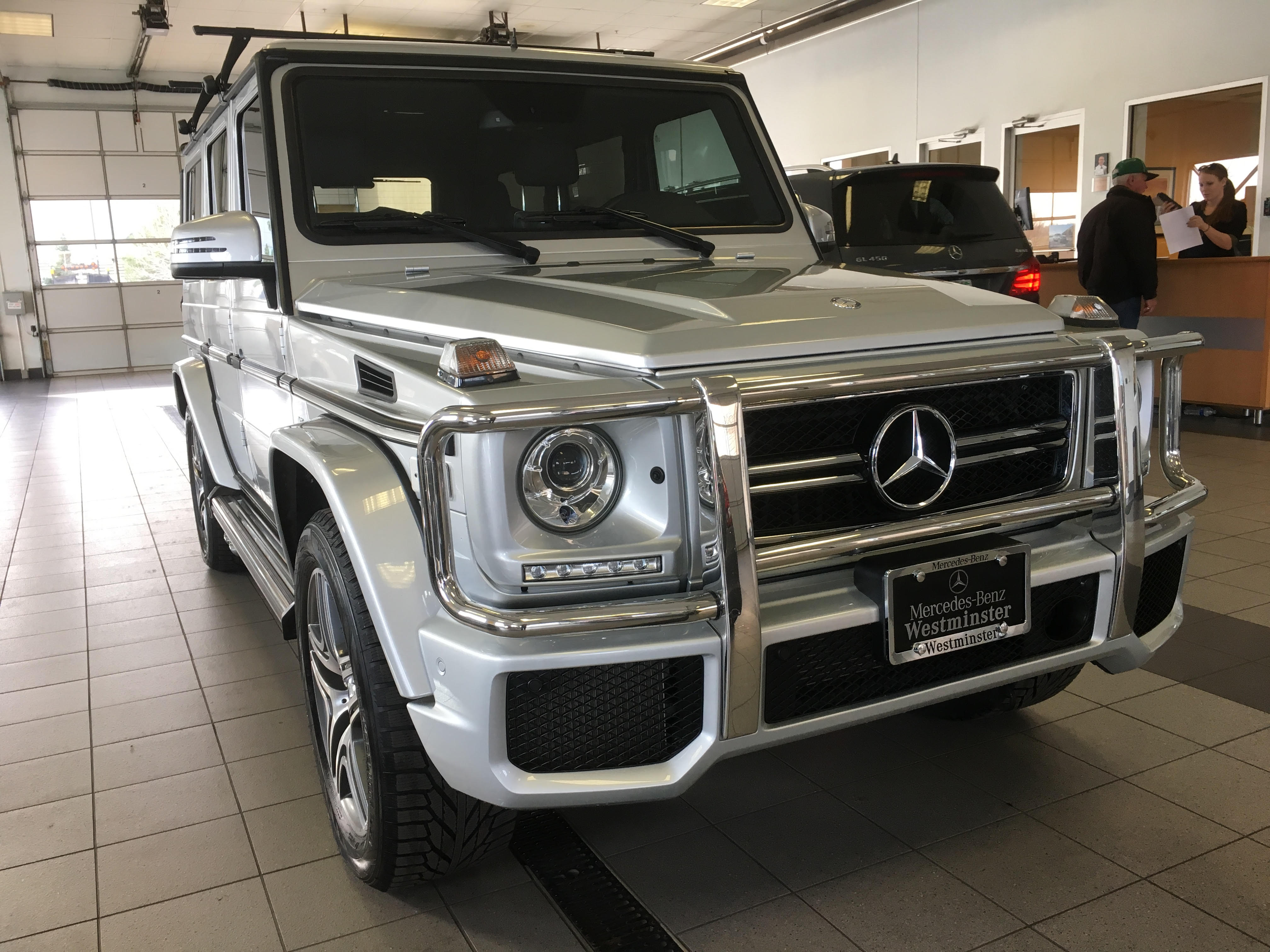 vail-limo-service-airport-transportation-shuttle-service-eagle-vail-denver-airport-mercedes-g63-g-wagon